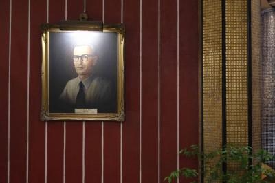 Dr. Max Henn