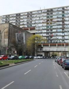 Palladium über ehemaligem Hochbunker und Straße