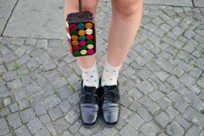 靴とポーチのアップ画像