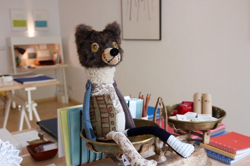 日本の作家さんによる手作りの熊。ベルリン市の紋章は熊がシンボルなので、会話のきっかけになるように