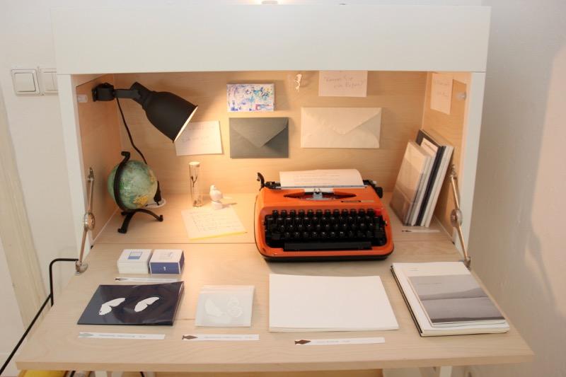 現役タイプライターも商品とともにディスプレイ