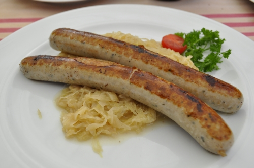ドイツ料理レストランの『ラーツケラー(Ratskeller)』にて。8.9€。