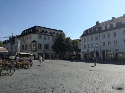 St. Johanner Markt。周りにはカフェがたくさん