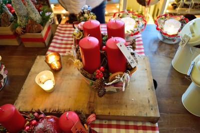 クリスマスらしい赤いキャンドル