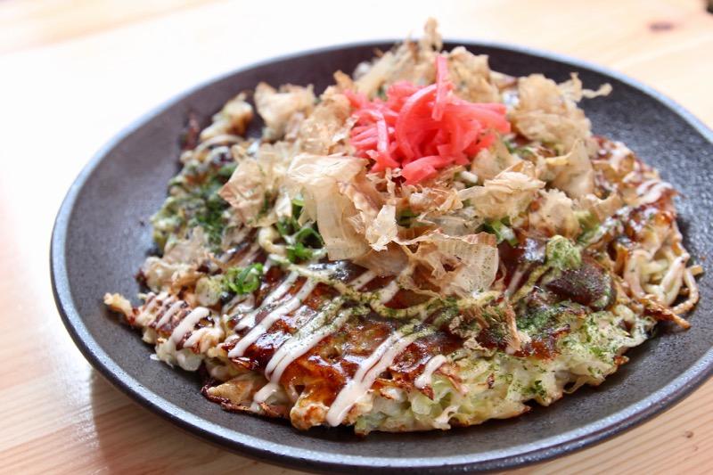 お好み焼きは大阪モダン、東京、札幌など各種あります