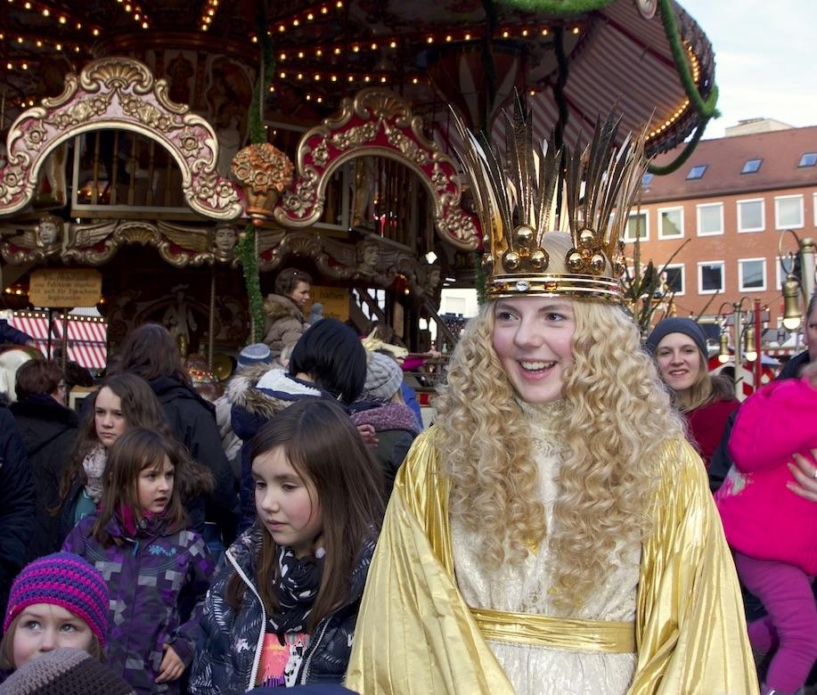 世界で最も有名なニュルンベルクのクリスマスマーケット。クリストキントがやってくる
