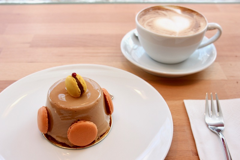 Caramel- Chocolat- Mangoとカプチーノ