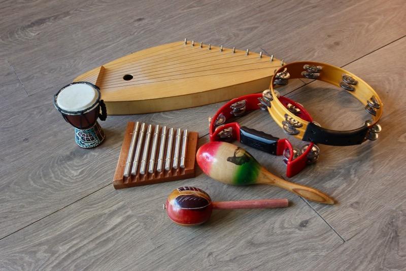 音楽療法に用いる楽器の一例