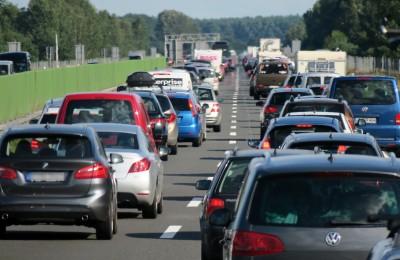 A24線の渋滞 2017年8月6日 ©dpa