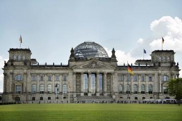 連邦議会。ガラスドームは見学可能。 ©dpa