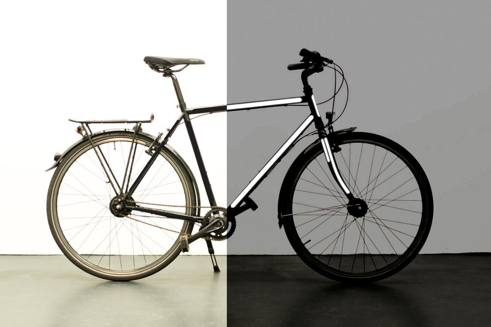 写真12_黒い自転車_黒いステッカーセット