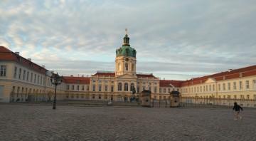 シャルロッテンブルク宮殿 外国人局の近くにありました