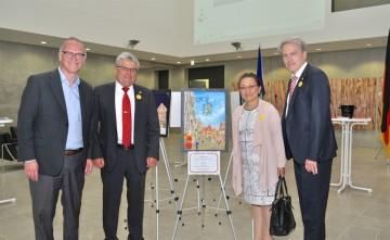 左からフォン・リムシャ公史、フェルスター市長、ふみ子・ウォルファルトさん、Dr. クリステフラーさん ©German Embassy Tokyo