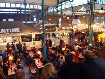 マルクトハレノインで定期的に開催中のフードフェス。ベルリンの超人気スポット!