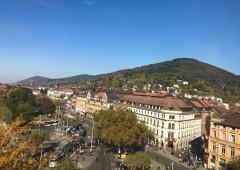 ハイデルベルクの街並みと山々を眺められます