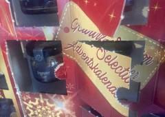 Adventskalenderにも色々あり、これは開けると香味料が入っています。