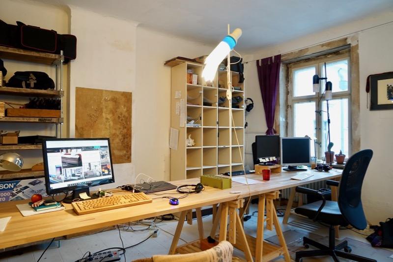 塚田さんが借りているシェアオフィス。ベルリンの集合住宅の一室です。