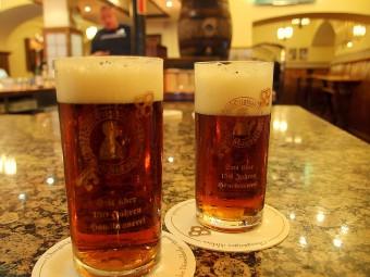デュッセルドルフのアルトビール。フルーティで奥深い味わい。