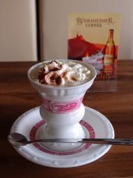 リューデスハイム産のお酒入りコーヒー。甘くリッチな味わい。