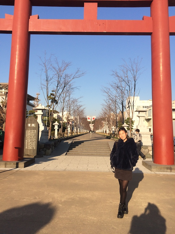 「懐かしい匂いがする」という日本。鎌倉の鶴岡八幡宮にて。