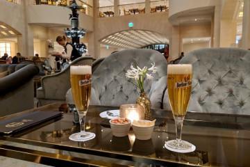 「ホテル・アドロン」のアイコン的なバー Photo: Aki SCHULTE-KARASAWA