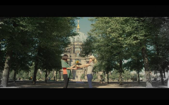 映像ディレクターの江部公美さんとベルリンで製作した動画