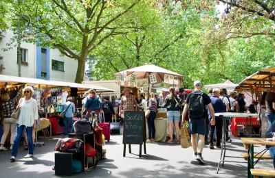 コルヴィッツ広場の市場