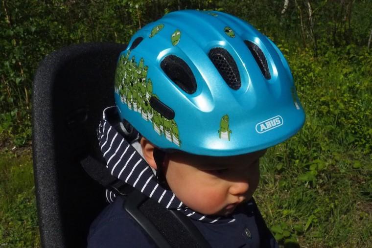 息子の初ヘルメットは、ドイツブランド「ABUS」 Photo: Aki SCHULTE-KARASAWA