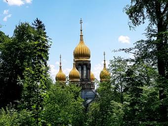 金色のたまねぎのような屋根が特徴的なロシア教会