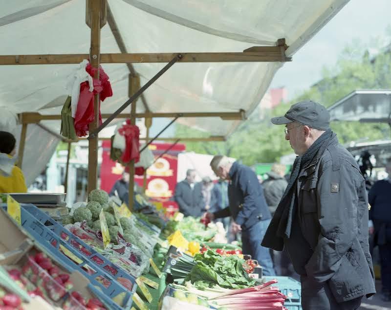 市場でもオーガニック野菜が気軽に買えます。撮影:小松﨑拓郎 ©Takurou Komatsuzaki