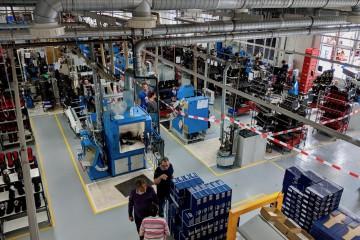 修理などを行なう工場もガラス越しに見学可能 Photo: Aki SCHULTE-KARASAWA