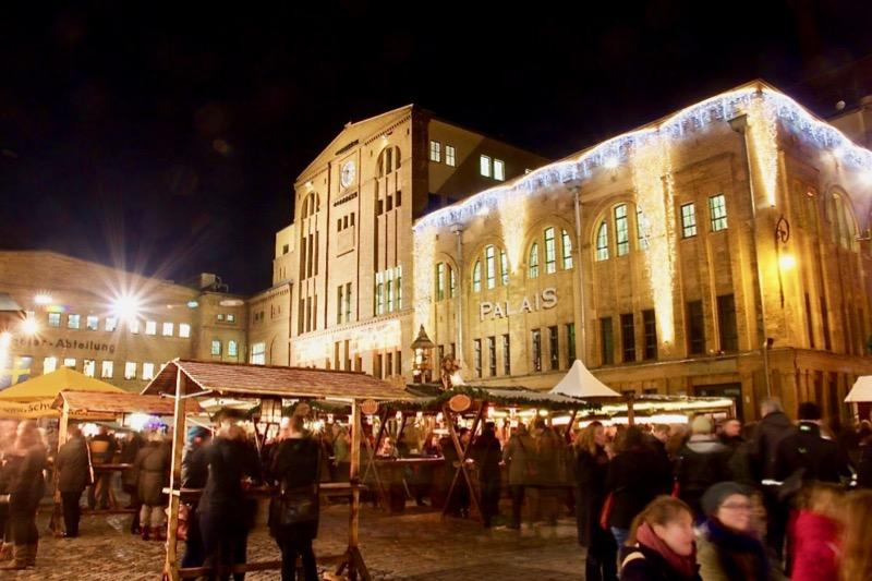 2019年は11月25日から12月22日までクリスマスマーケットが開かれます
