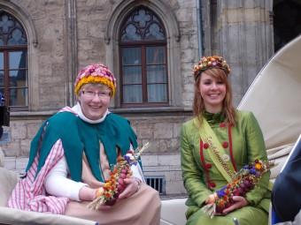 玉ねぎ祭りでは玉ねぎの女王も登場!
