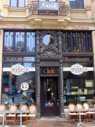 バッハにちなんだメニューがいただけるカフェ・カンドラー。