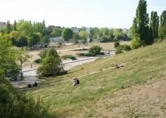 壁地帯から憩いの公園へ。マウアーパーク