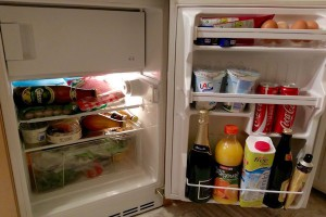 自炊が好きなわたしたちは4泊5日分冷蔵庫にぎっしりお買い物 Photo: Aki SCHULTE-KARASAWA