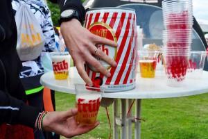 """たくさんメンバーがいるチームは、ビールを""""樽買い""""してシェア Photo: Aki SCHULTE-KARASAWA"""