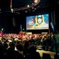 ドルトムントにやってきた「ヨーロピアン・アウトドア・フィルム・ツアー」の日曜夜の回は、500人の来場者で満員御礼 Photo: Aki SCHULTE-KARASAWA