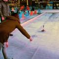 アイスシュトックシーセンができるアイスリンク。11月下旬〜翌年1月下旬にデュッセルドルフに現れる Photo: Aki SCHULTE-KARASAWA