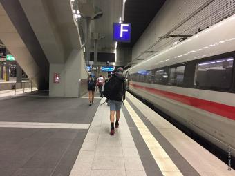 ベルリンに到着!この直後に、目を疑う光景に出くわします…