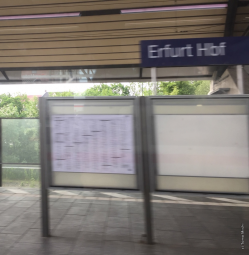 エアフルト中央駅を通過中